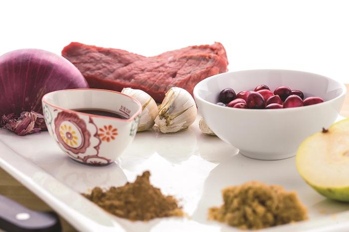 pear cranberry beef tenderloin prep