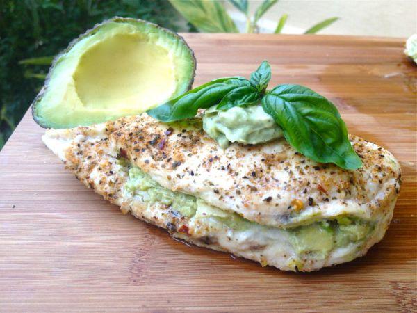 healthy-avocado-artichoke-pesto-chicken