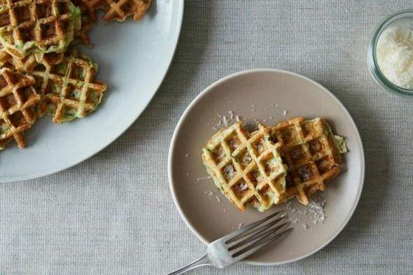 healthy-zucchini-waffle