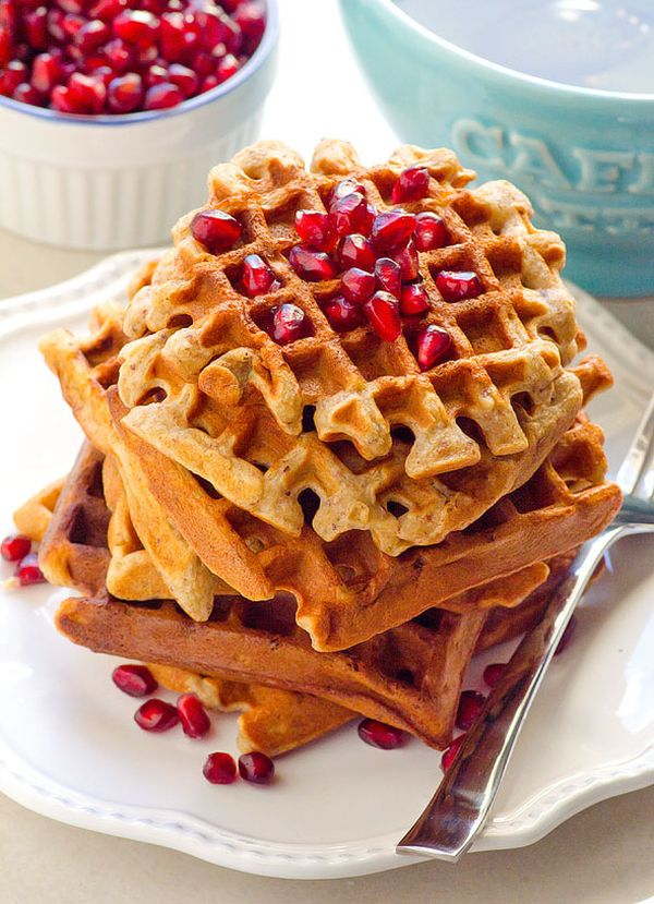 healthy-applesauce-waffles