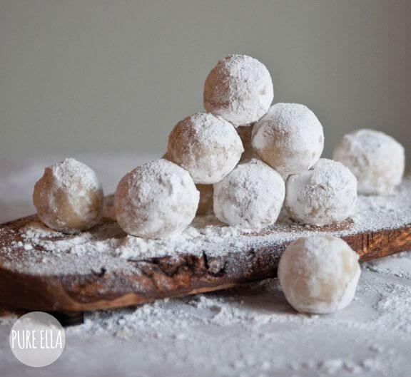 Amaretto-Snowballs-recipe