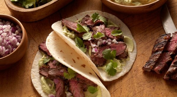chipotle-skirt-steak-fajitas-recipe