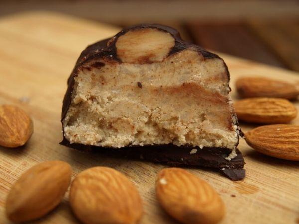 almon joy protein bar