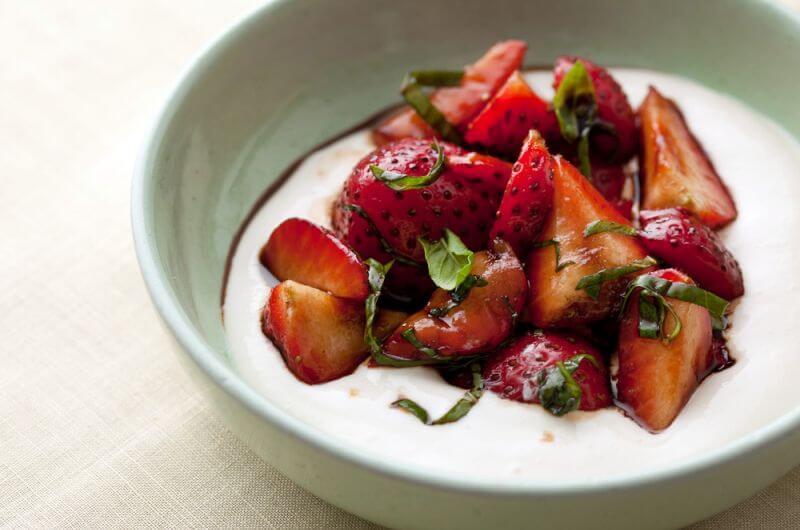 Strawberries with Ricotta Cream recipe