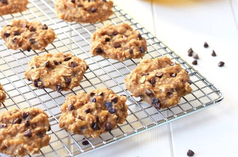 3 Ingredient Peanut Butter Banana Cookies low cal snack