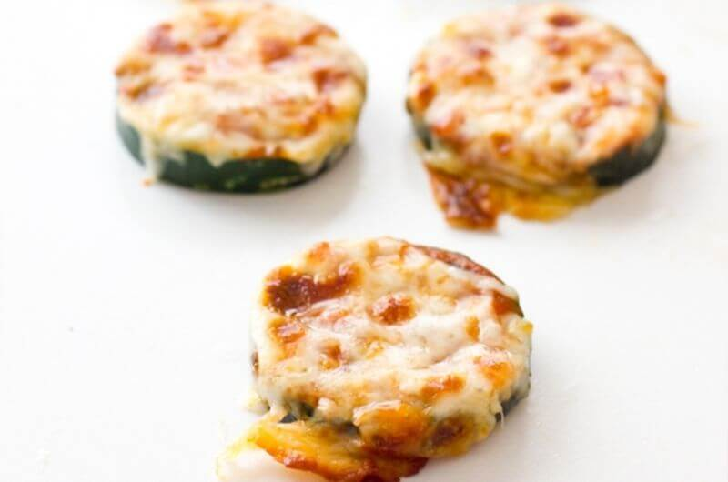 zucchini pizza low cal snack