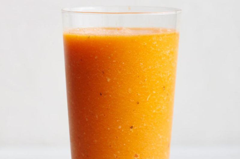 carrot turmeric ginger vegetable smoothie