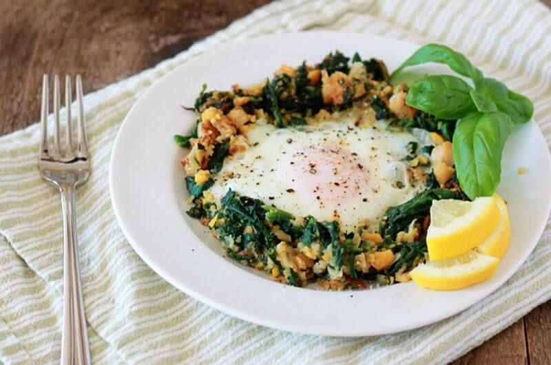 lemony egg in spinach quick breakfast