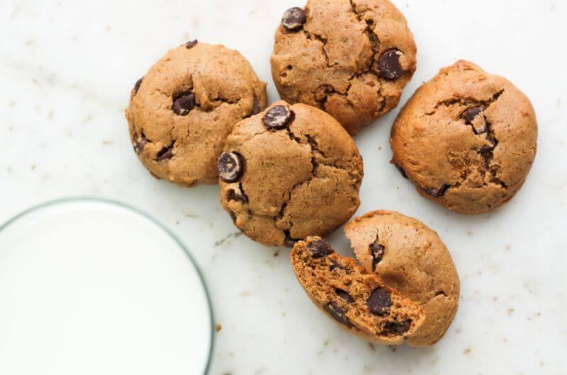 gluten free cookies and milk