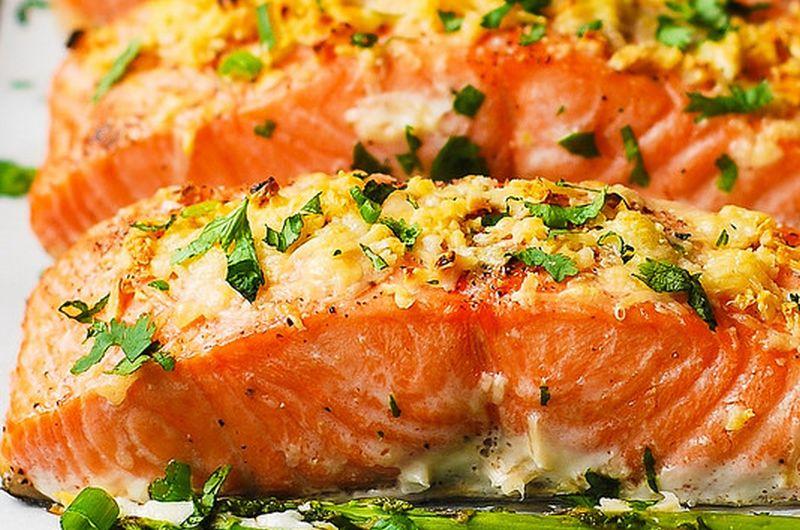 garlic parmesan crusted salmon asparagus