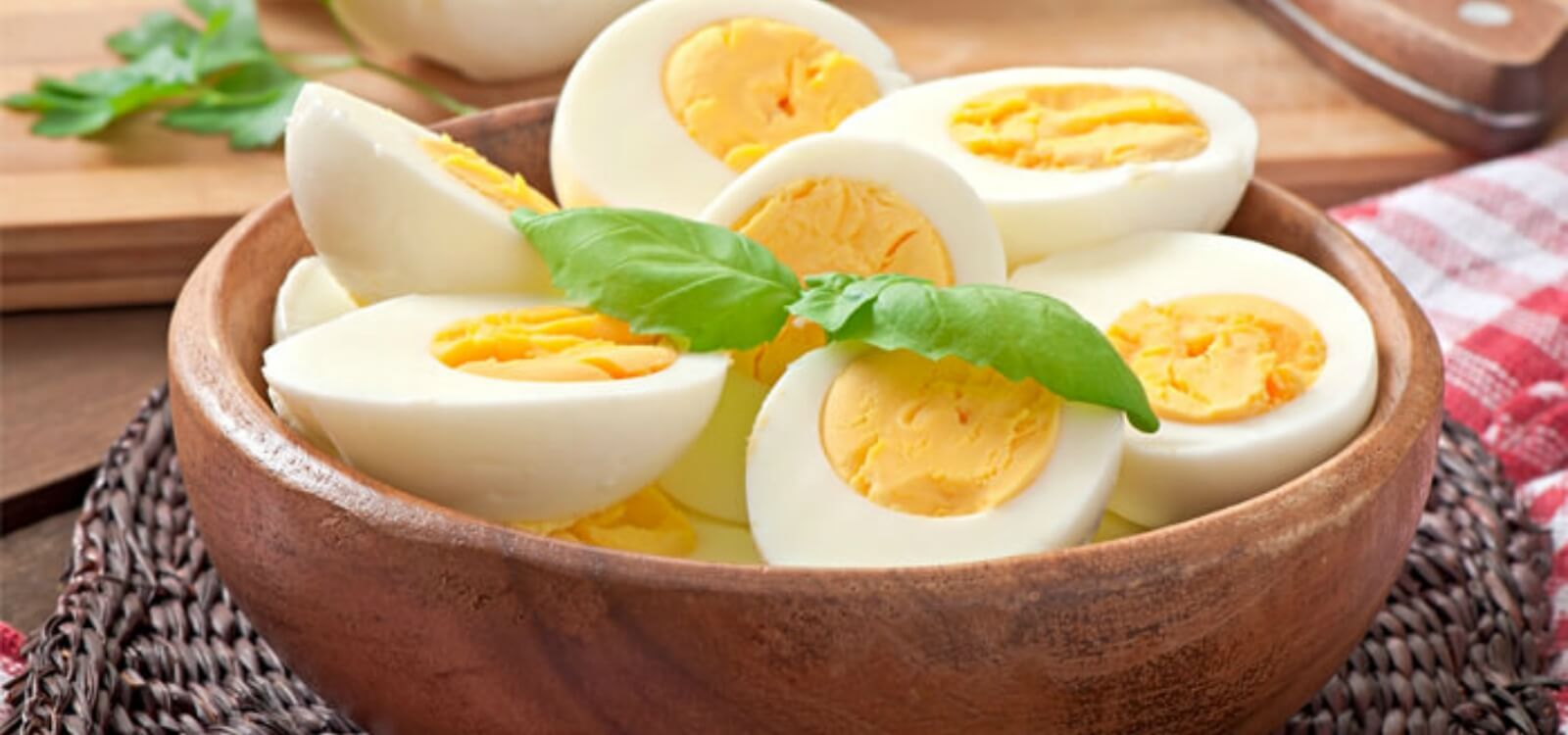 whole eggs build muscle