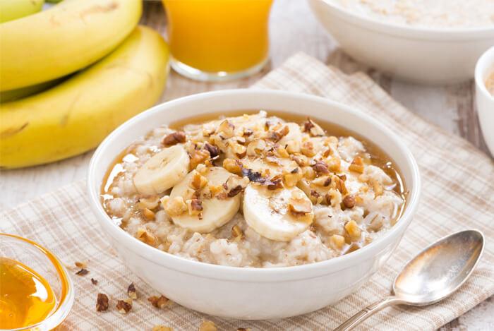 banana oatmeal breakfast