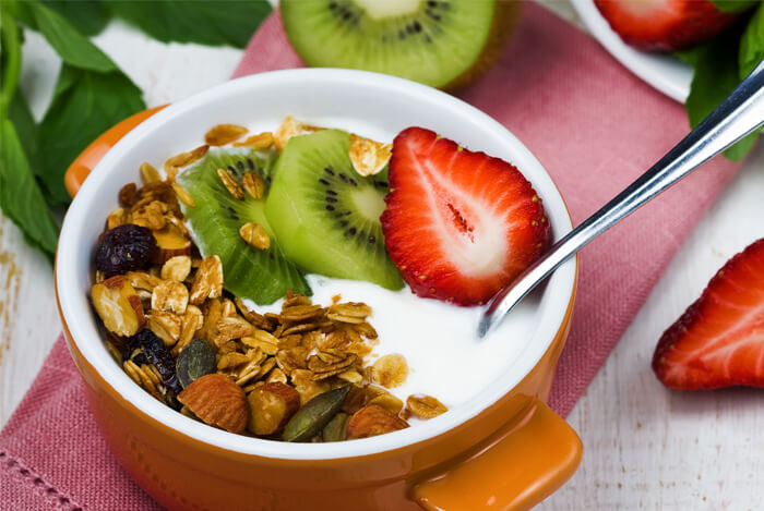 greek yogurt fruit nuts museli parfait
