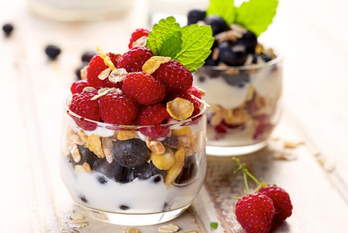 greek yogurt parfait fruit glass