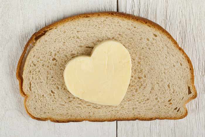 margarine butter bread