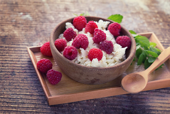 cottage cheese rasberries bowl