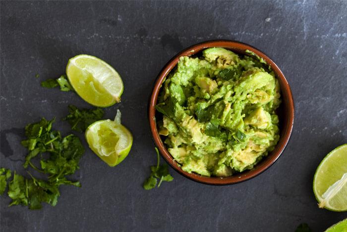 bowl avocado crushed