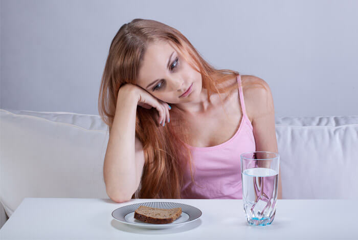 eating disorders girl plate food