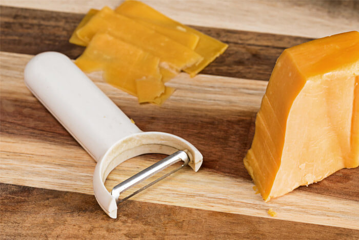 melted cheese crackers