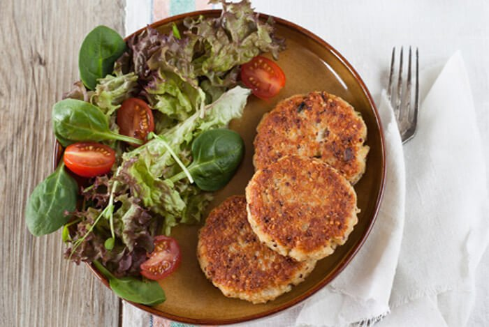 spinach quinoa patties plate