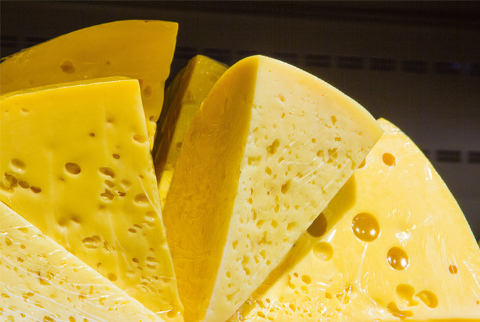 nutrients in cheese