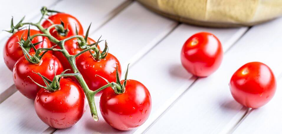 10 Reasons You Should Be Eating Tomatoes Every Day - Nutrition Secrets
