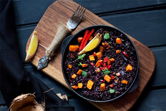 eat black rice