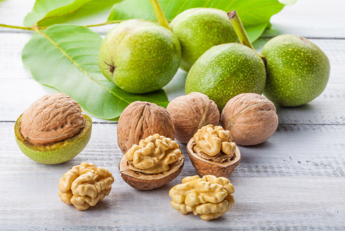 8 Reasons to Eat More Walnuts