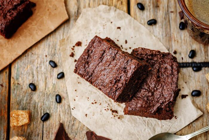 Hazelnut Mocha Protein Skillet Cake