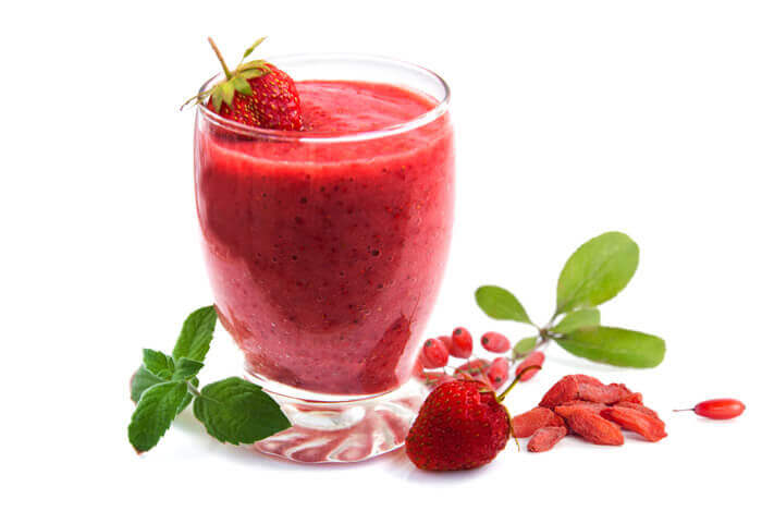 strawberry-goji-smoothie