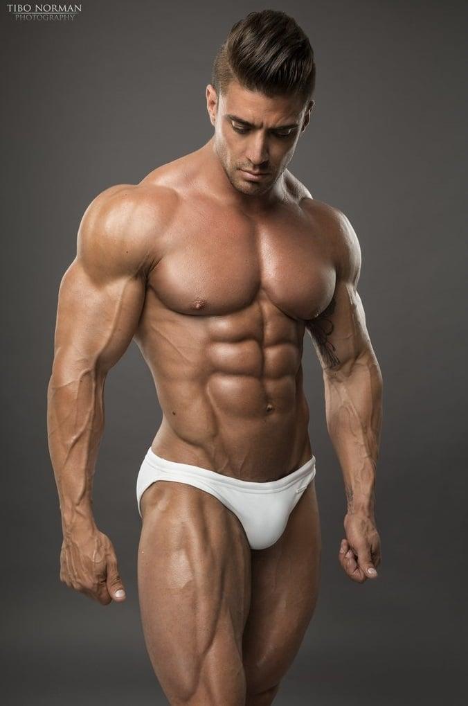 Like big muscles do girls Women Fall