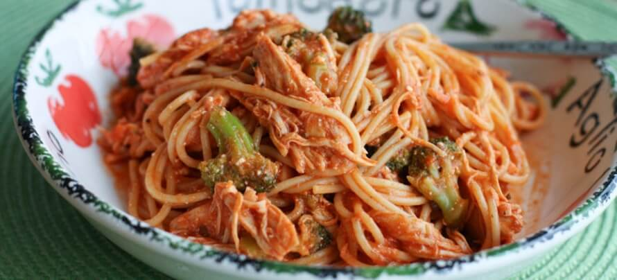 Crockpot Chicken Spaghetti with Broccoli