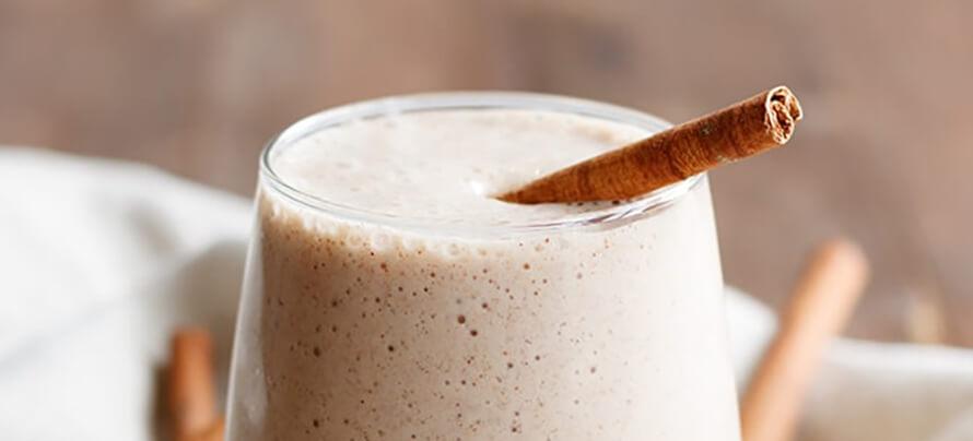 cinnamon-roll-protein-shake-1 (2)